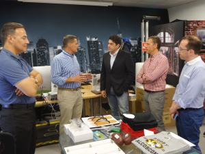 El alcalde, @davidperez, visita la empresa The Thinking Factory, 100% made in #Alcorcón